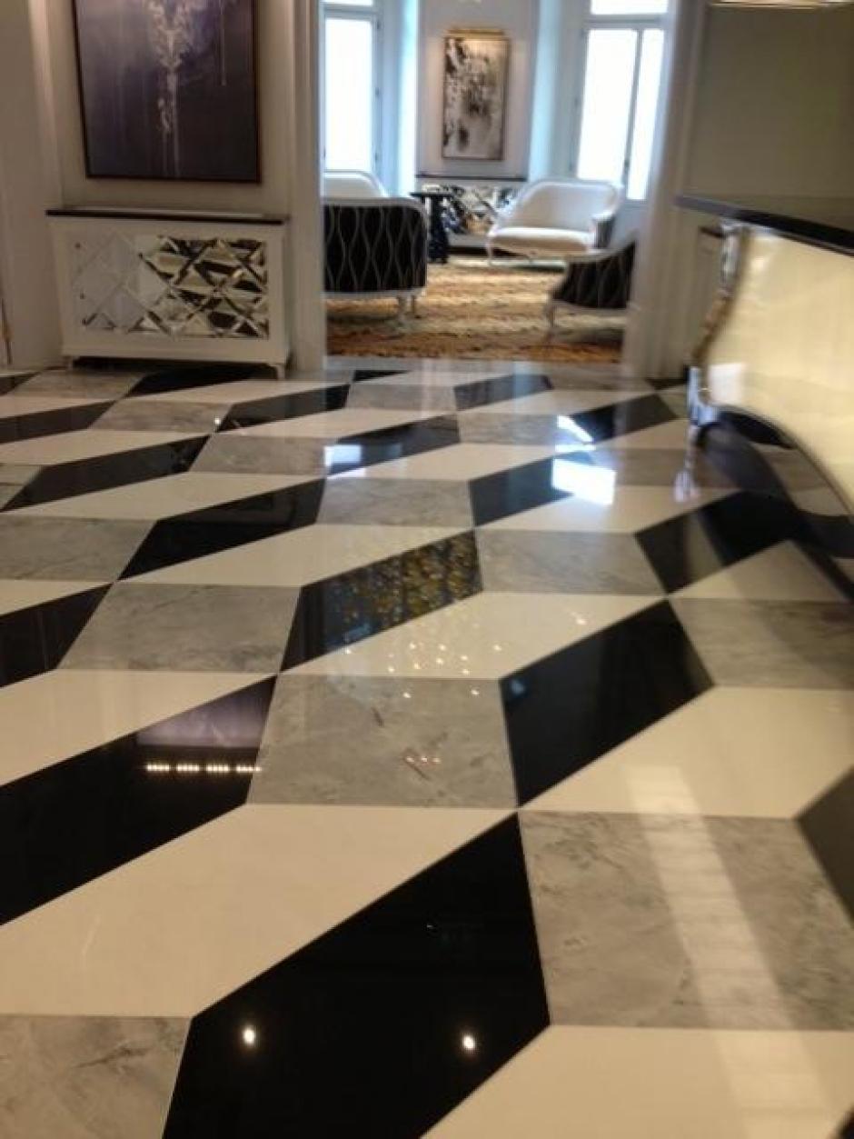 Escaleras en marmol granito caliza for Colores de marmol para escaleras