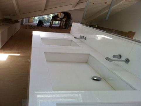 Trabajos m rmol y granito for Encimera marmol blanco